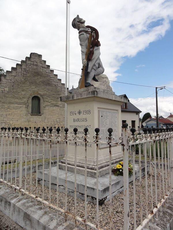 Barisis-aux-Bois_(Aisne)_monument_aux_morts